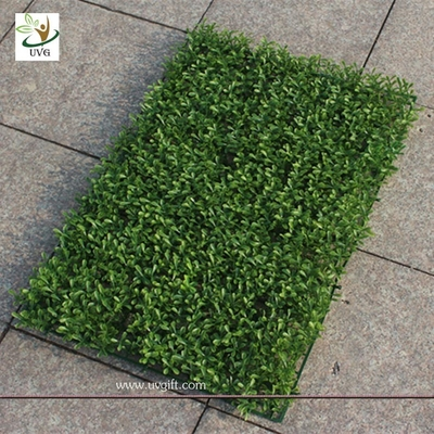 China UVG GRS07 Artificial Plastic Grass Mat Boxwood Panel indoor outdoor green plants supplier