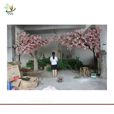 China UVG Wooden artificial wedding tree with silk cherry blossom for party stage decoration supplier