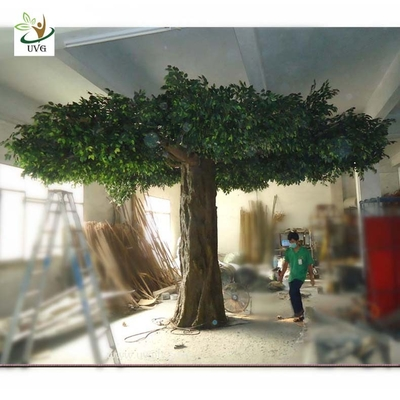 China UVG GRE039 5m Giant fake banyan tree with plastic green leaves for garden landscaping supplier