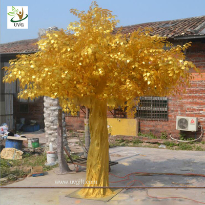 China UVG GRE043 indoor and outside use thick golden banyan tree artificial trees for sale supplier