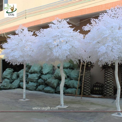 China UVG GRE011 10ft white artificial christmas tree with wood fake banyan trees for party decoration supplier