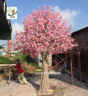China UVG CHR138 15ft pink faux cherry blossom tree in fiberglass trunk for party backdrop decoration supplier