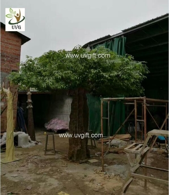 China UVG indoor large fake trees realistic banyan tree with silk leaves for sale GRE062 supplier
