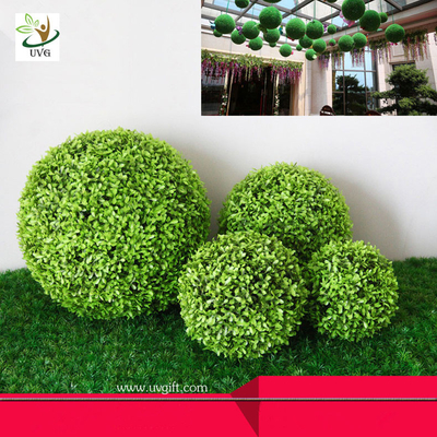China UVG Manufacturer supply hanging dcorative artificial boxwood ball for garden decoration factory