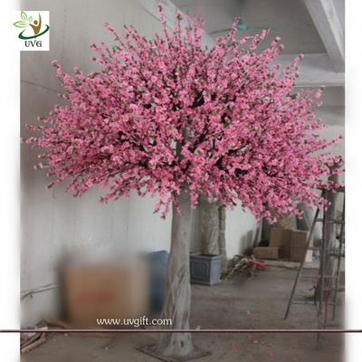 China UVG decorative pink peach blossom faux tree in fiberglass trunk for garden decoration factory