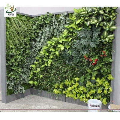 UVG GRW021 Fake vertical garden in plastic artificial plants for indoor and outdoor wall decoration