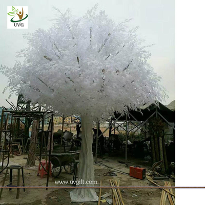 UVG indoor white big artificial banyan tree with silk leaves for winter wedding decorations GRE060