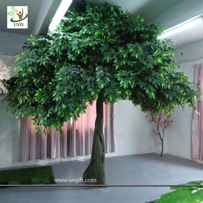 UVG GRE033 Cheap artificial decorative house trees with green leaves for party decoration