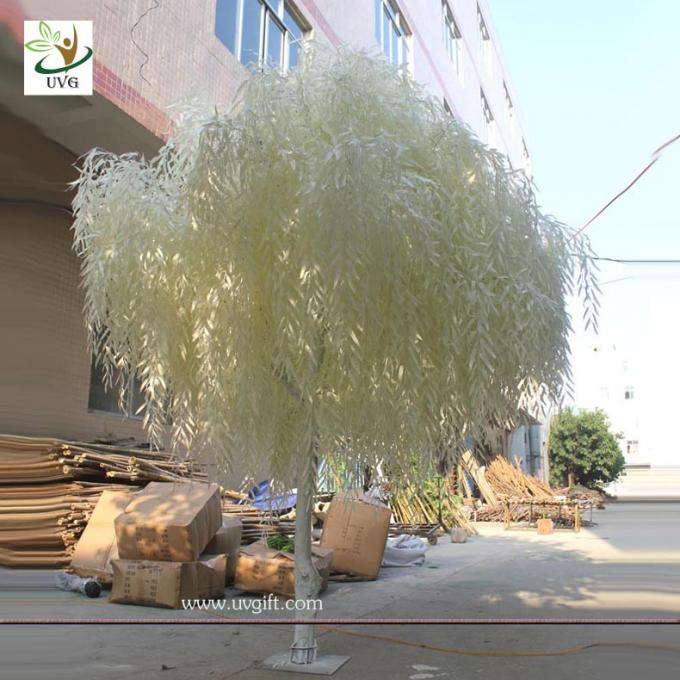 UVG GRE011 white decorative artificial banyan trees with wooden trunk for stage display