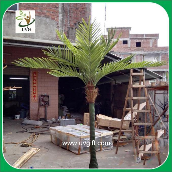 UVG PTR021 decorative small artificial plastic palm trees for sale in dongguang factory