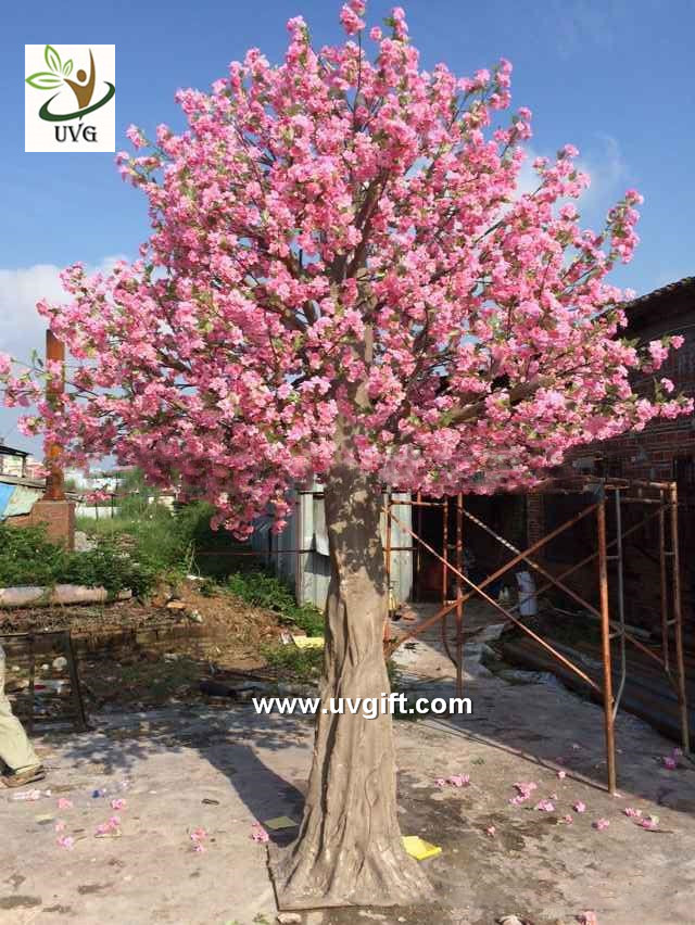 UVG CHR138 15ft pink faux cherry blossom tree in fiberglass trunk for party backdrop decoration