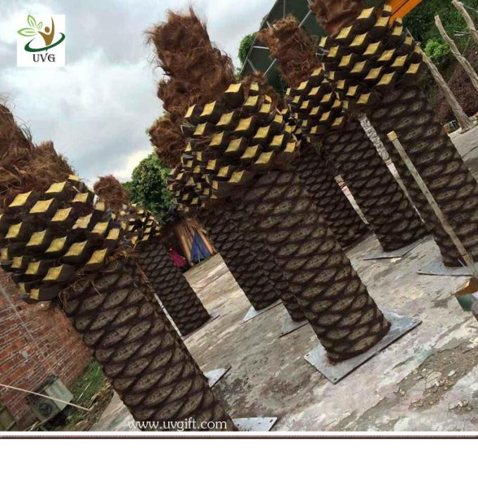 UVG PTR056 big artificial tree trunk with fake coconut palm trees for park landscaping