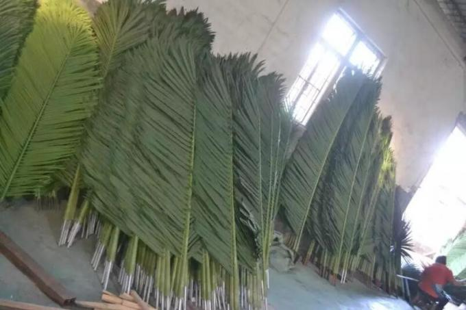 UVG PTR041 custom made indoor plastic coconut palm tree artificial leaves for beach landscaping
